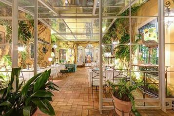 patio invernadero restaurantes sevilla
